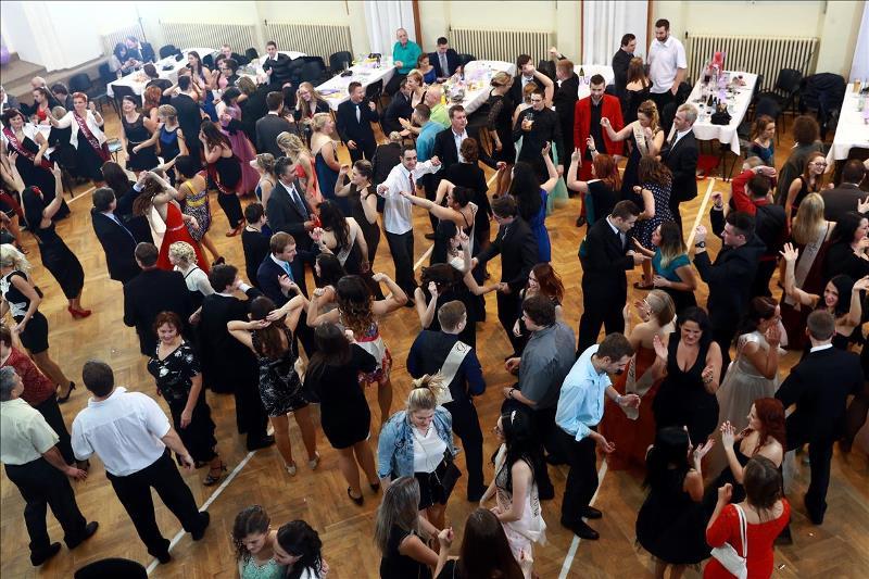 Maturitní ples - tanečníci
